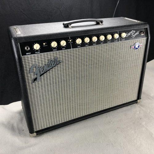 2004 Fender Super Sonic 22 mit Captain Mod