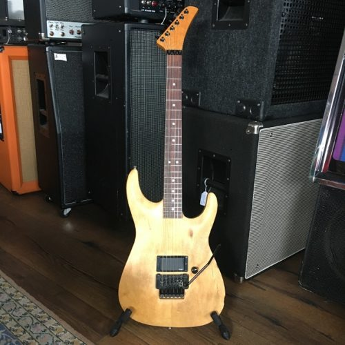 Warmoth_stand