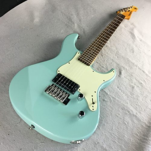 Yamaha Pacifica_front