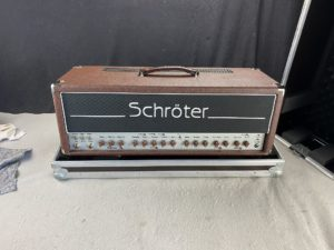 2010 Schröter - Brown Artist - ID 1387