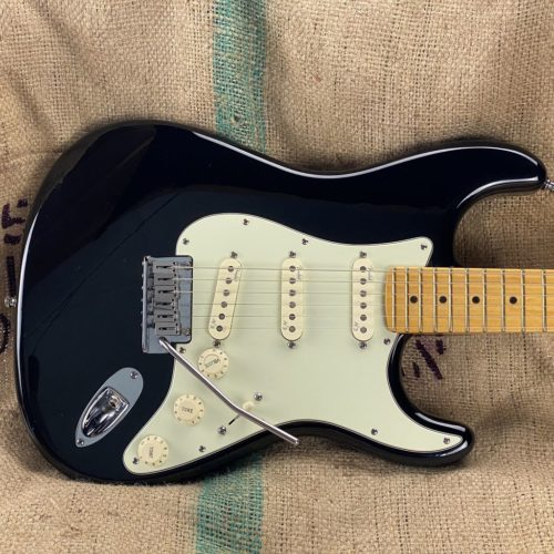 2012 Fender - Stratocaster - American Deluxe Ash Strat - ID 1591