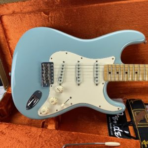 2009 Fender - Yngwie Malmsteen Stratocaster - Signature Model - ID 1649